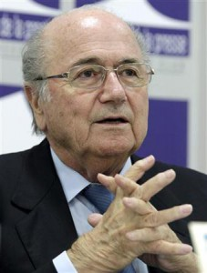 サッカー=FIFAブラッター会長、「人種差別は悪魔」