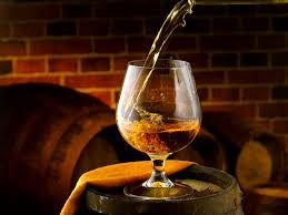 ウィスキー・イメージ・樽&グラス